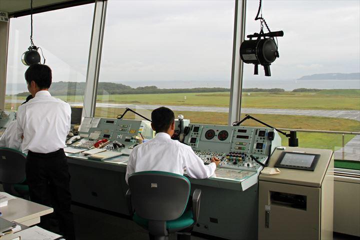 航空 管制 官 年収